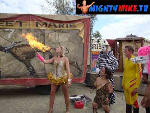 JOLINE AND DWARF MIGHTY MIKE NITRO CIRCUS FIRE SHOOT MIDGET THAT EATS FIRE MIDGETS THAT BLOW FIRE
