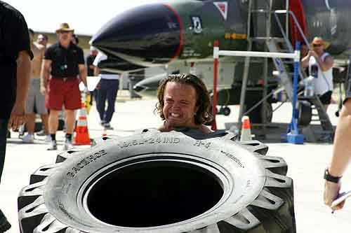 Mighty Mike tire flipping at the 2004 Strongman comp